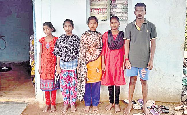 Coronavirus: Mother Deceased Of Corona Five Child Orphaned In Gajwel - Sakshi
