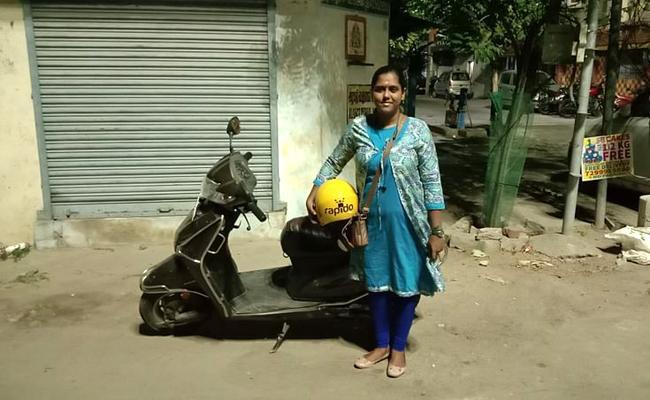 Inspiration: Women Food Supply To Customers In kerala - Sakshi