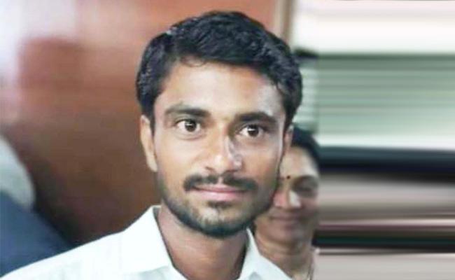 YSRCP Leader Dies In Road Accident In Rajanna Siricilla - Sakshi