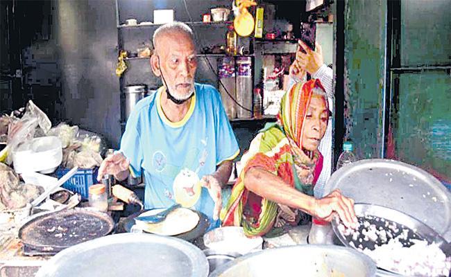 Baba Ka Dhaba Is Back To Delhi After Saved 20 Lakhs For Future - Sakshi