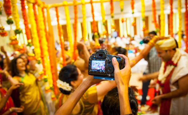 Corona Virus Effect On Photo Shops During Marriage Seasons In Karimnagar - Sakshi