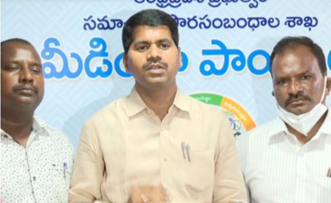 DSC 2008 Candidates Met Cm YS Jagan - Sakshi