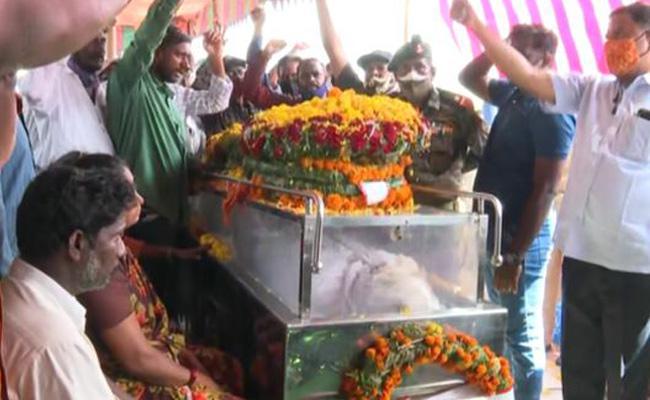 AP: Jawan Jaswant Reddy Dead Body Reached To Bapatla - Sakshi