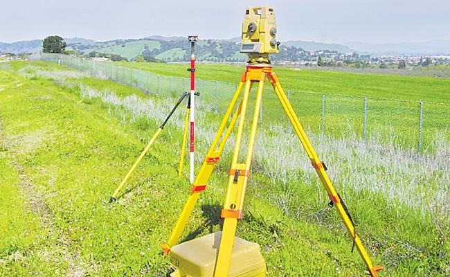 Telangana Government Apply Gps And Vrs For Digital Land Survey - Sakshi
