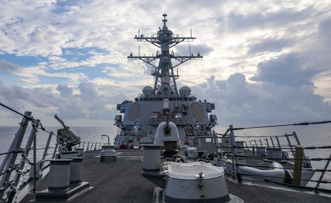 China Military Drove Away US Warship in South China Sea - Sakshi