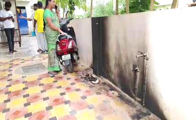 Petrol Bottles Attack On House In Ongole - Sakshi
