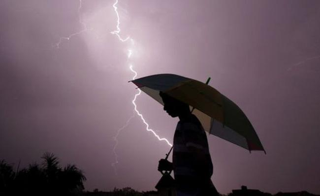 Vajrapath App is Available To Escape From Lightning Strikes - Sakshi