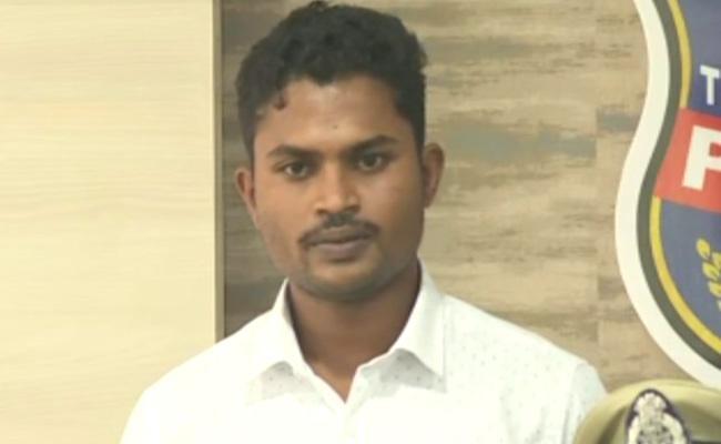 Maoist Leader Ravula Ranjith Surrender To Police In Hyderabad - Sakshi
