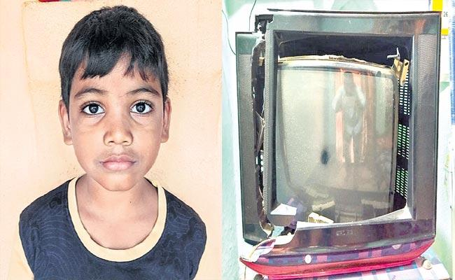 Sangareddy: 7 Years Boy Breaks TV For Sonu Beaten Up In Film, Actor Reaction - Sakshi