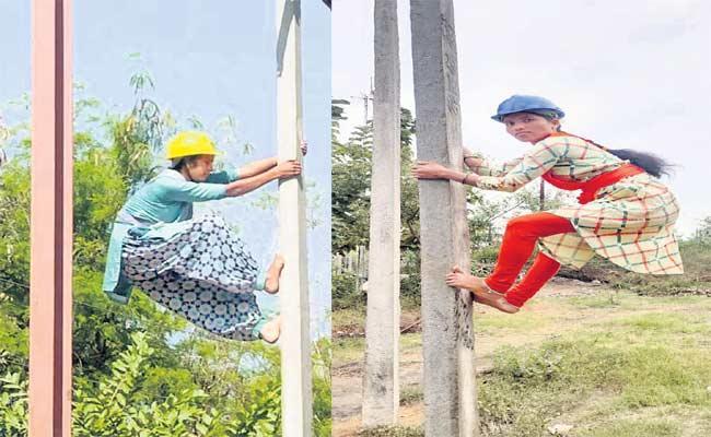 Telangana First Linewoman Shirisha And Bharathi, Didnot Get Posting Orders - Sakshi