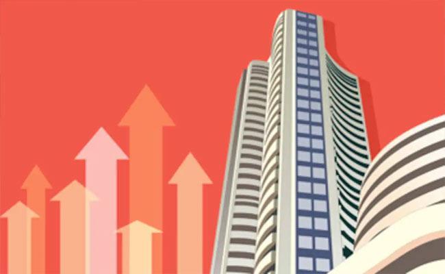 Sensex Nifty Ends At Fresh Closing High IT Realty Stocks Charge Ahead - Sakshi