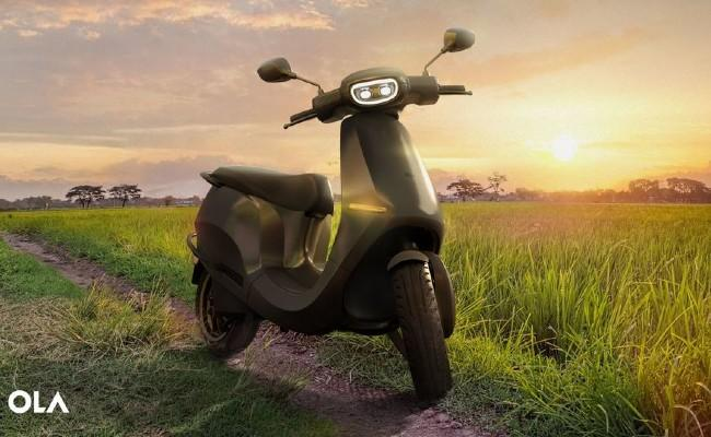 Many Report Errors as Ola Electric Opens Bookings For E-Scooter - Sakshi