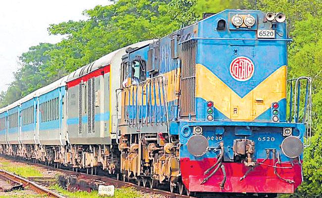 South Central Railway To Launch 66 Special Trains in Telugu States, Full List Here - Sakshi
