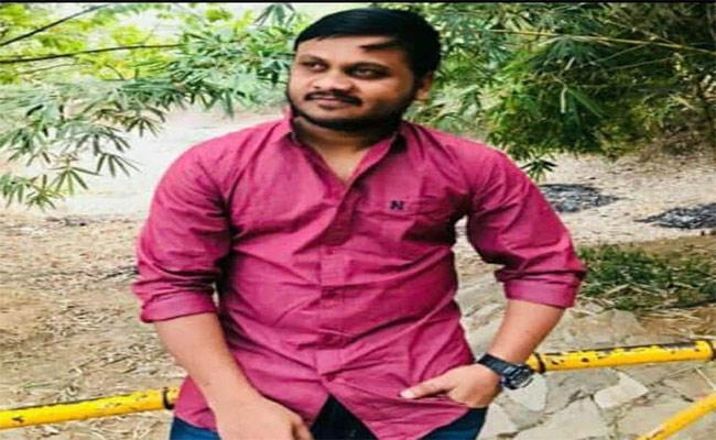Man Self Destruction In Warangal - Sakshi