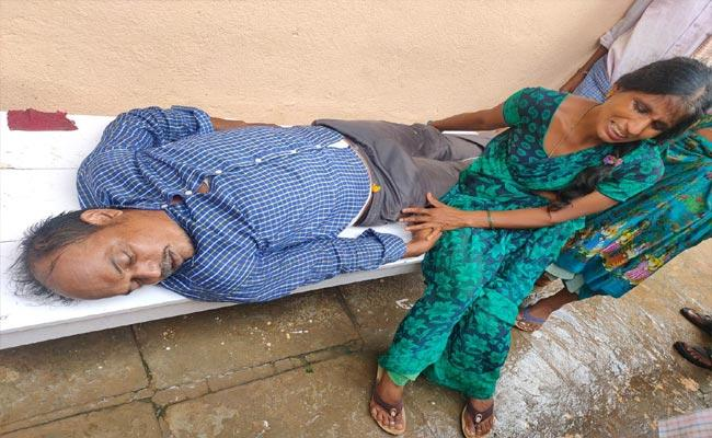 Father Commits Suicide After Daughter Missing In Warangal - Sakshi