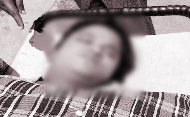 Woman Self Destruction In Warangal District - Sakshi