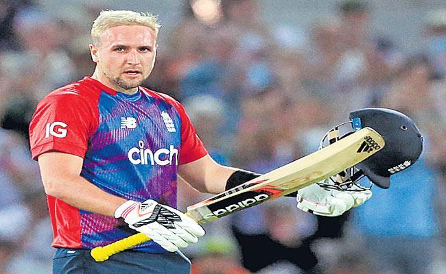 Pakistan beat England by 31 runs in T20 run fest - Sakshi