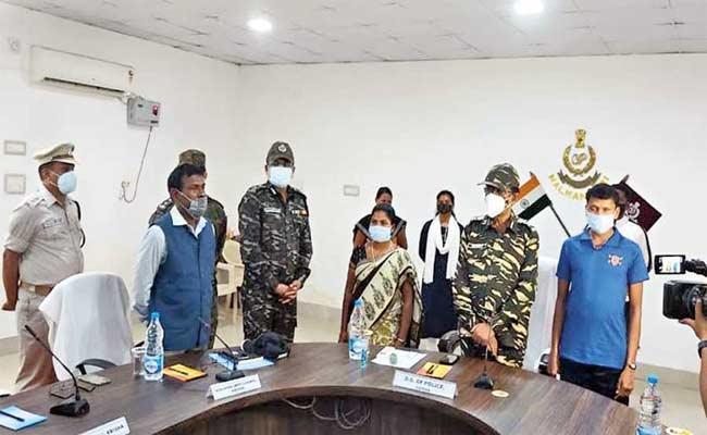 Three Top Maoist Leaders Surrendered Before DGP Abhay In Odisha - Sakshi