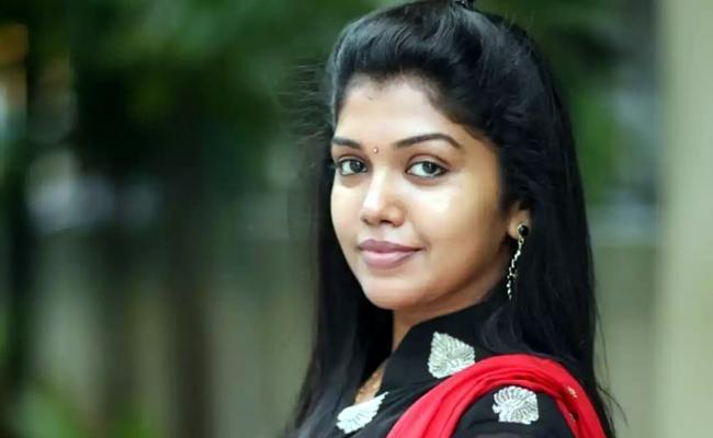 Bigg Boss Fame Rithvika As Heroine In Karunaas Movie Aadhar - Sakshi