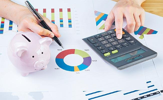 Axis Bluechip Fund Leads To Stable Returns Less Than A Year - Sakshi