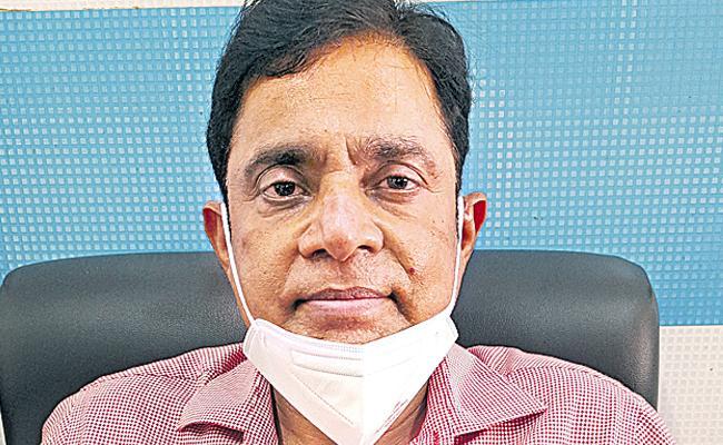 Poddar Corona Care Center Dean Dr Rajeswar Reddy With Sakshi
