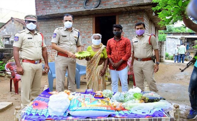 Mother Wants to Reunit Wih Her Son In Warangal - Sakshi