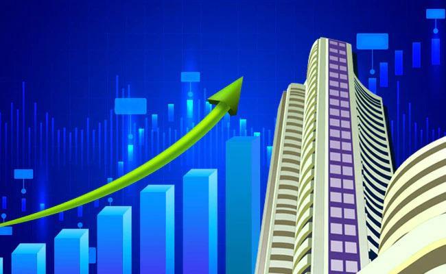 Sensex Snaps Two-Day Losing Streak, Nifty Reclaims 15,700 - Sakshi