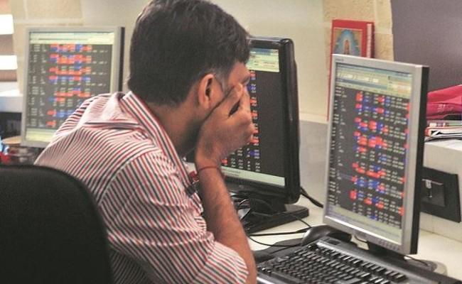 Stock Market: Nifty Ends Below 15700, Sensex Falls 354 pts - Sakshi