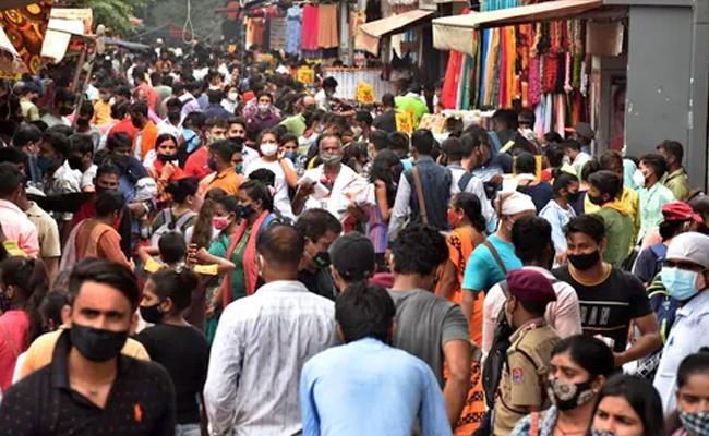 Hyderabad: Health Experts Flag Concerns Over 3rd Wave Likelihood - Sakshi
