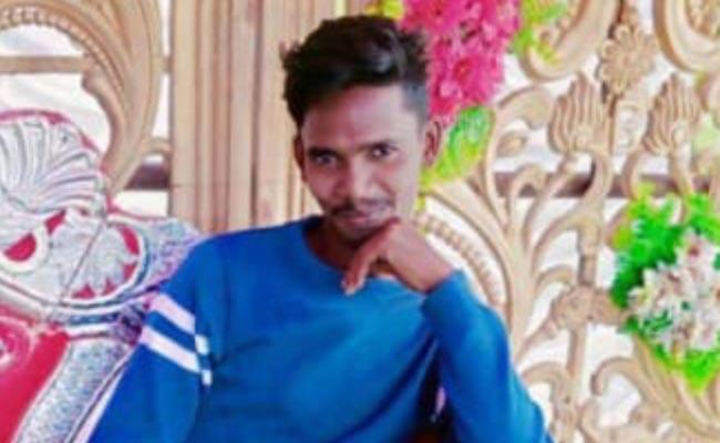 Srikakulam: Youth Ends His Life For Love Etcherla - Sakshi