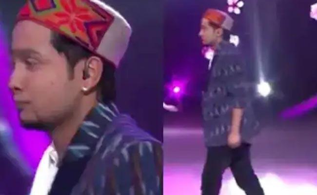 Indian Idol 12: Pawandeep Rajan Suddenly Stopped Singing - Sakshi