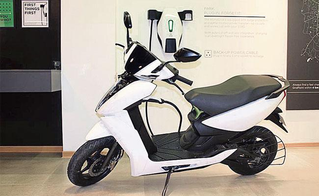 Rising Fuel Prices People Chooses Electric Bikes For Alternative - Sakshi