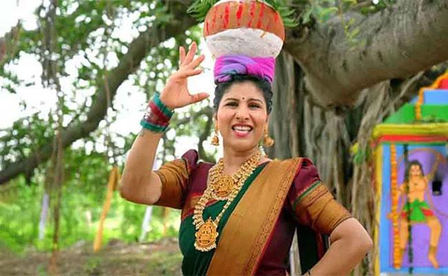 Folk Singers Comments On Mangli Bonalu Song 2021 - Sakshi