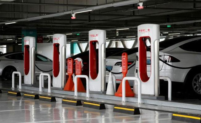Tesla Plans To Open Its Supercharger Network To Other Electric Vehicles Later This Year - Sakshi