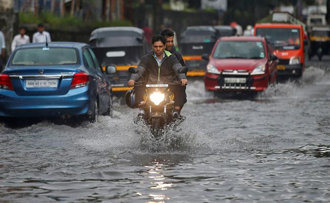 Heavy Rains In AP Due To Low pressure In Bay of Bengal - Sakshi
