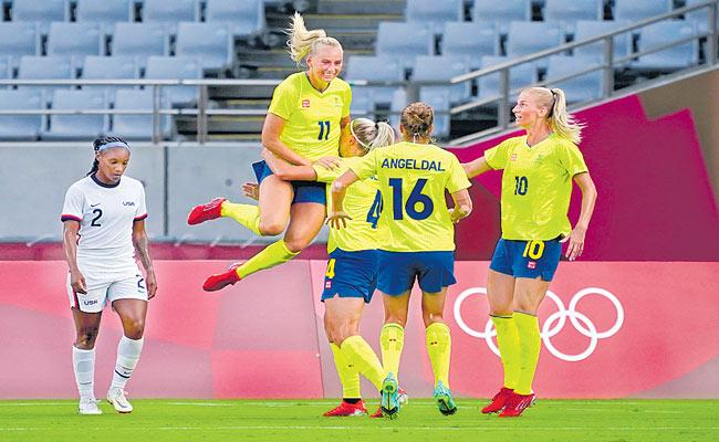 Sweden Defeats US Womens Soccer Team In Opening Tokyo Olympics Game - Sakshi
