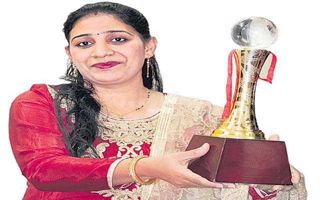 Awards Frauds Entering to YouTube Cooking Channels  - Sakshi