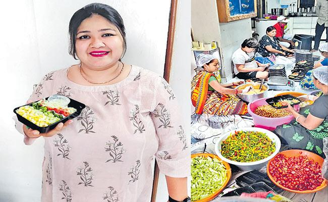 Pune Woman Now Earns Rs 1. 5 Lakh for Month on Salads Business - Sakshi