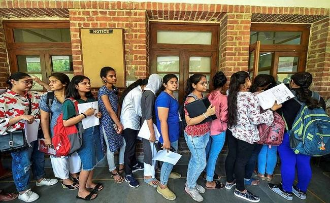 Chennai Corporation Schools Get Record Level Admissions for 2021 Year - Sakshi