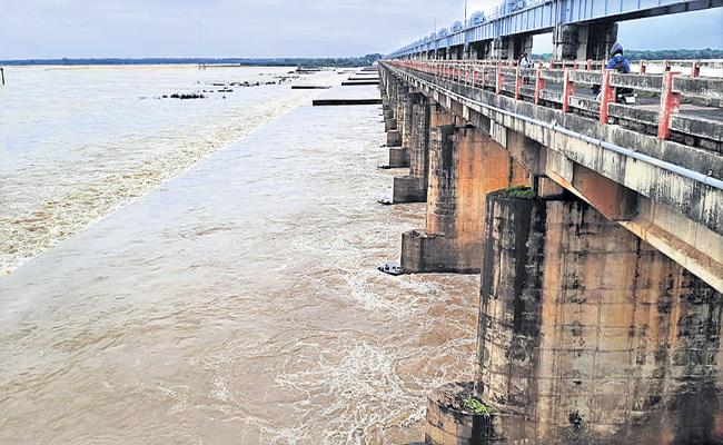Polavaram project is likely to be flooded today with huge rains - Sakshi