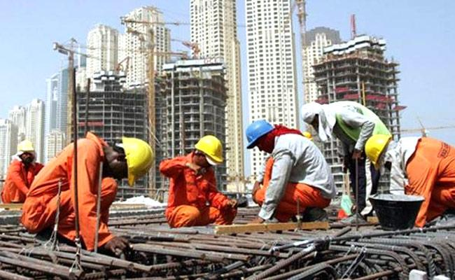 Good News To Gulf Workers Central Govt Waived Off New Minimum Wage Rules - Sakshi