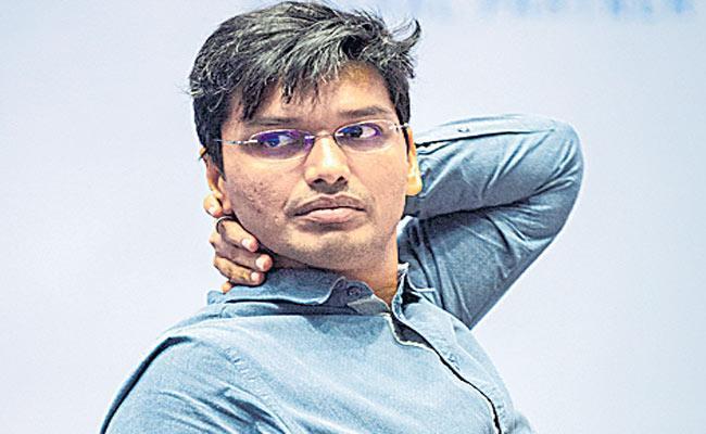 Harikrishna through to Round 4, Adhiban makes a comeback - Sakshi
