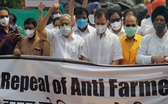 Opposition corners Govt over Farm Laws and Centre stand  - Sakshi