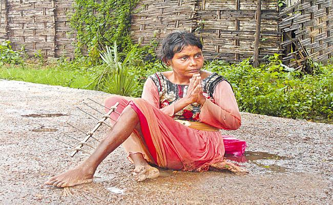 A woman Tragedy With Road Accident - Sakshi