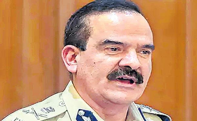Allegations Against IPS Officer Parambir Singh Five Other Police Officers - Sakshi