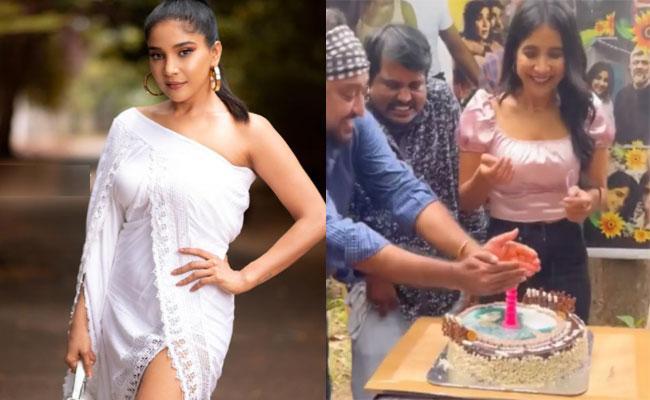 Sakshi Agarwal Birthday Celebration On Sets Of The Night