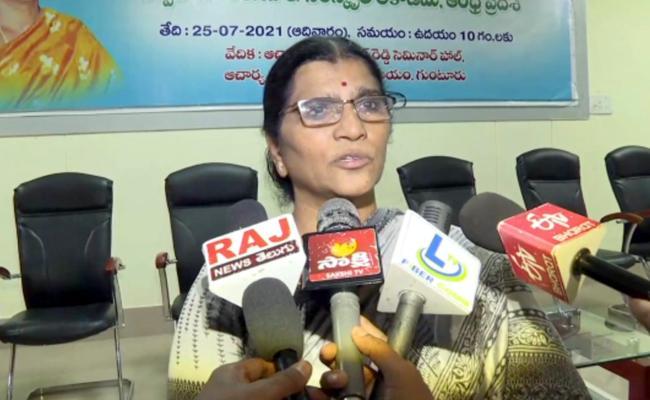 Lakshmi Parvathi Comments About Changing Telugu Akademi Name - Sakshi