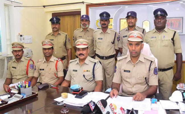 Atm Fraud In Nalgonda - Sakshi
