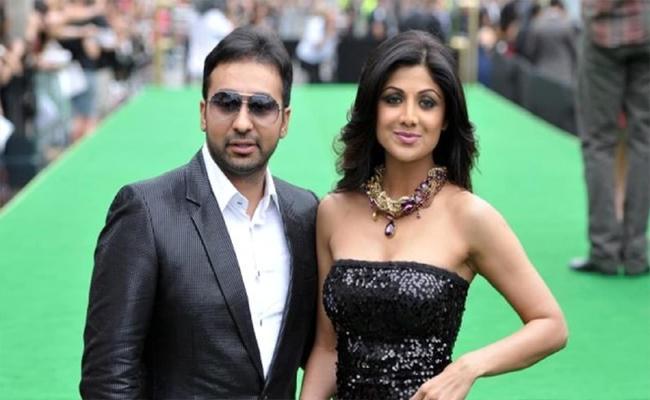 Shilpa Shetty Says Raj Kundra Innocent - Sakshi