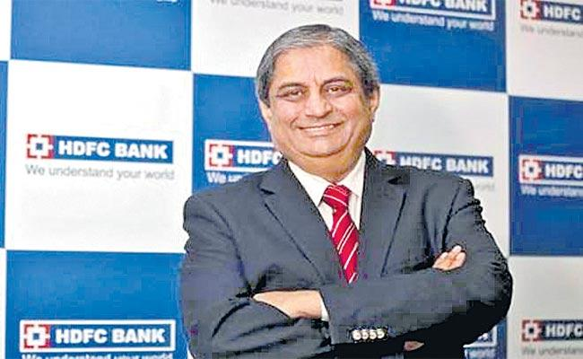 HDFC Bank Puri Highest Paid ICICI Bank Bakshi Forgoes Salary In Covid - Sakshi